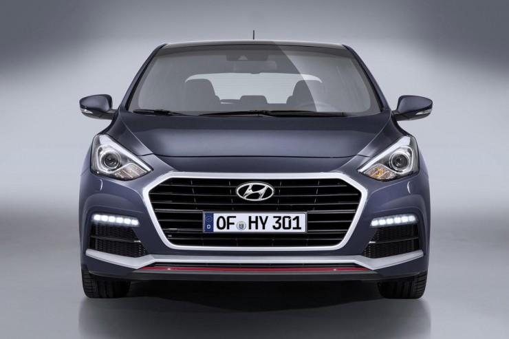 """Hyundai создала свой первый """"заряженный"""" хэтч"""