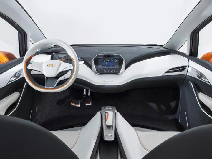 Chevrolet запустит в серию бюджетную Tesla