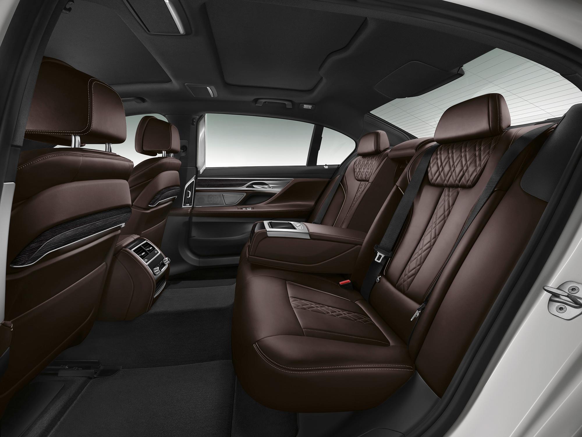 Салон BMW 7 2016