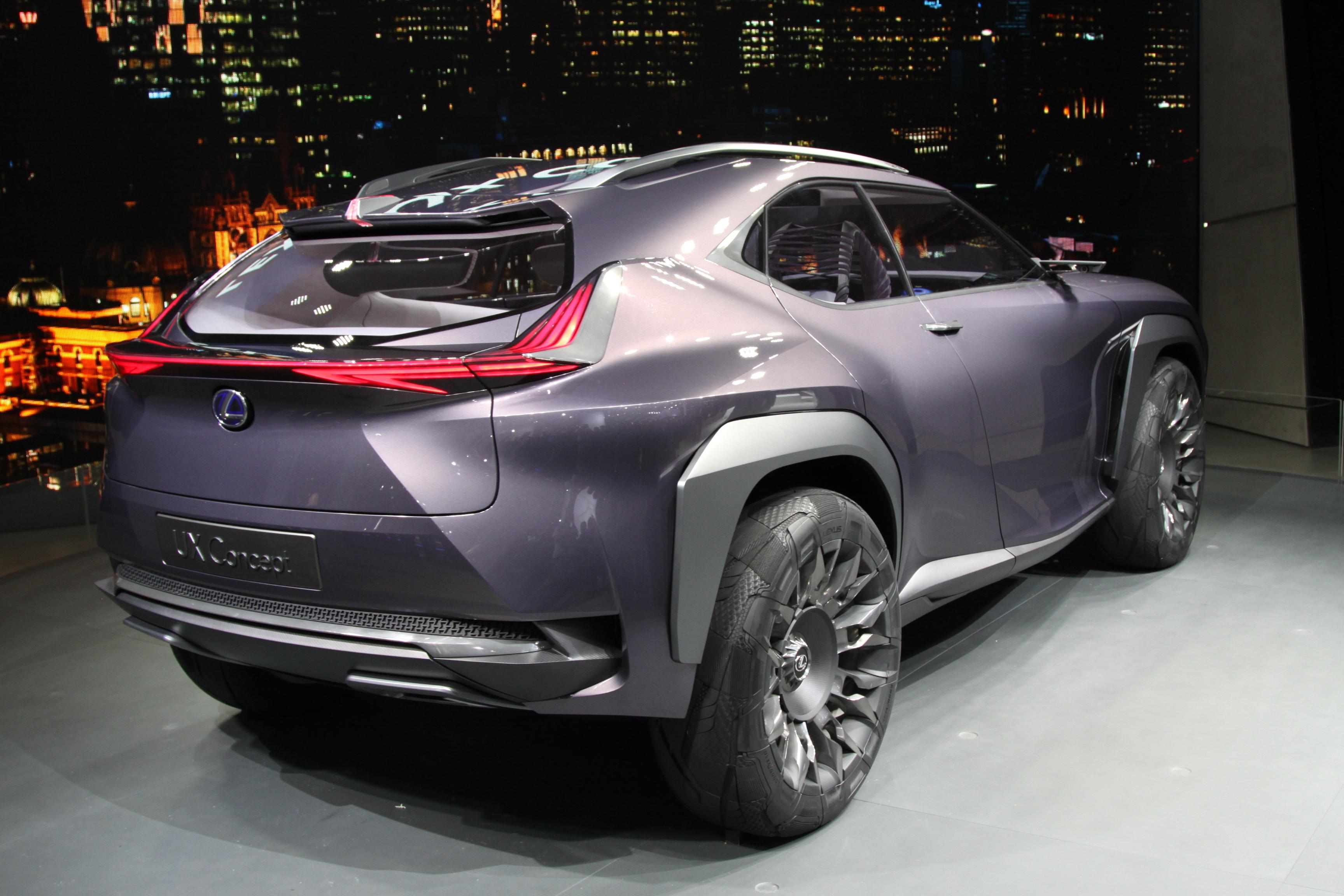 Lexus UX 2018 года