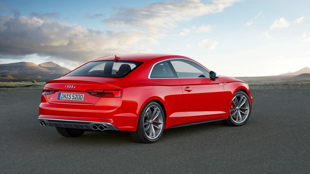 спорт-купе Audi S5 Coupe