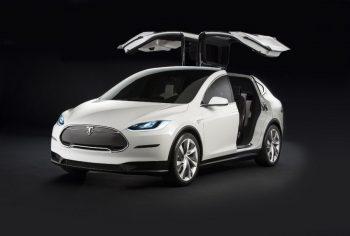 Tesla удивляет