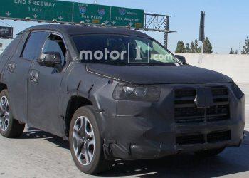 Следующая Тойота РАВ4 появилась на шпионских снимках