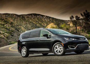 Минивэн Chrysler Pacifica получит полноприводную версию