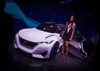 Необычный концепт-кар Peugeot Fractal  - автомобиль с необычными техническими решениями