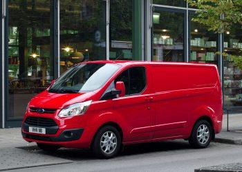 Новейшие фургон и минивэн марки Ford Custom в России уже 2017 году